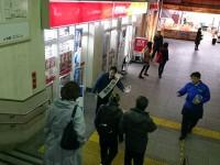 夜の駅頭活動